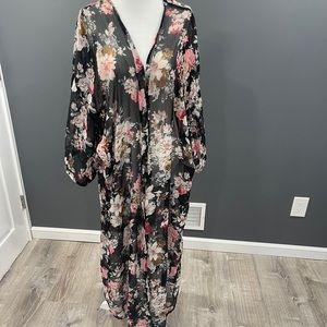 Dizzy Gal Floral Kimono 1x Plus